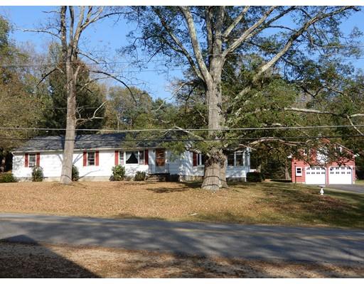 Maison unifamiliale pour l Vente à 729 Podunk Road 729 Podunk Road East Brookfield, Massachusetts 01515 États-Unis