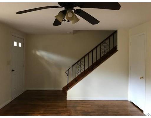 تاون هاوس للـ Rent في 10 Gilman Rd #2 10 Gilman Rd #2 Billerica, Massachusetts 01862 United States