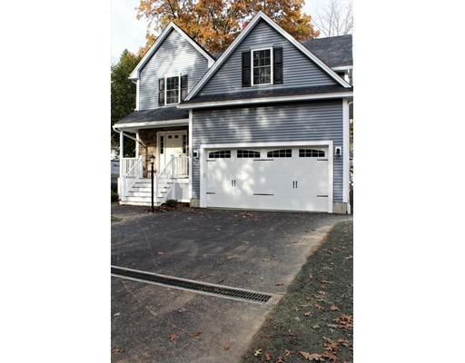 Maison unifamiliale pour l Vente à 46 Oak Street 46 Oak Street Tewksbury, Massachusetts 01876 États-Unis