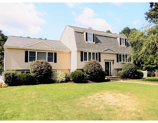 Частный односемейный дом для того Продажа на 17 Stonehedge Circle 17 Stonehedge Circle Billerica, Массачусетс 01821 Соединенные Штаты