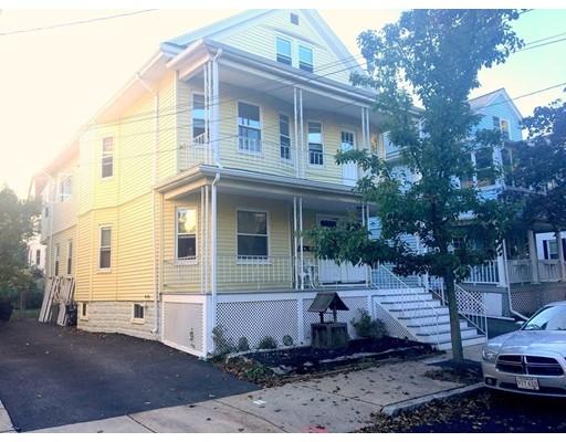 متعددة للعائلات الرئيسية للـ Sale في 69 Bristol Road 69 Bristol Road Medford, Massachusetts 02155 United States