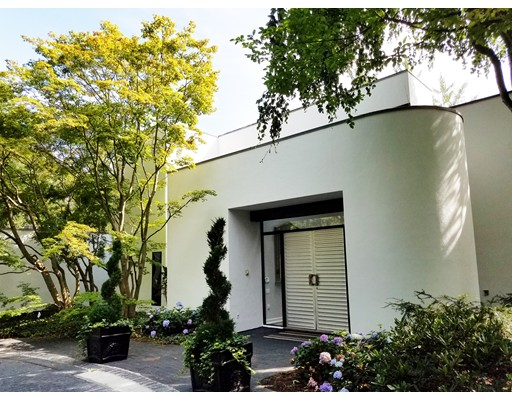 Additional photo for property listing at 132 Yarmouth Road  布鲁克莱恩, 马萨诸塞州 02467 美国