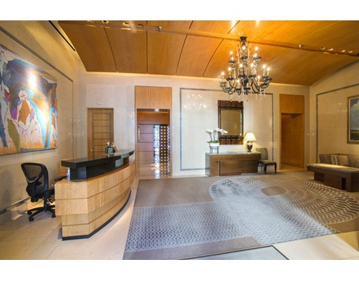 Condominio por un Alquiler en 776 Boylston Street #W9D 776 Boylston Street #W9D Boston, Massachusetts 02199 Estados Unidos