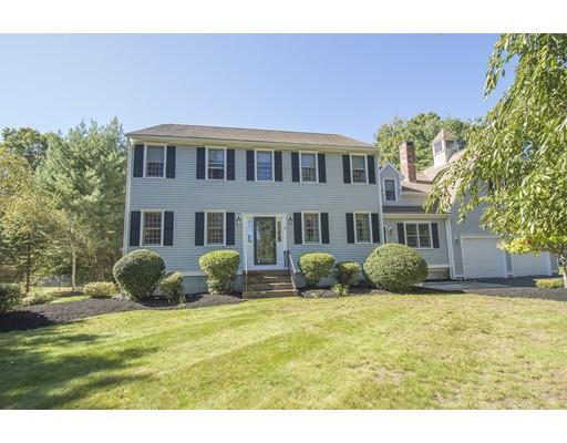 Maison unifamiliale pour l Vente à 4 Azalea Way 4 Azalea Way Rockland, Massachusetts 02370 États-Unis