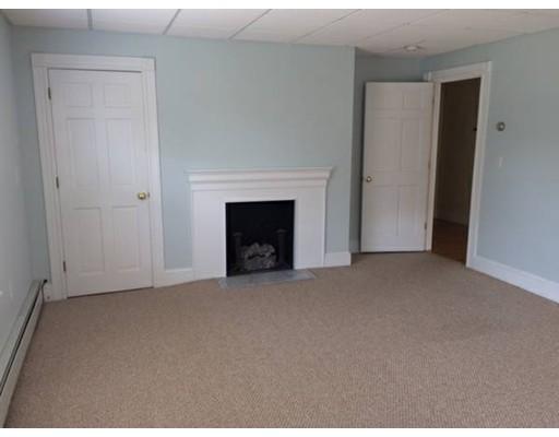Maison unifamiliale pour l à louer à 323 South Main Street 323 South Main Street Haverhill, Massachusetts 01835 États-Unis