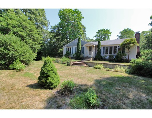 Casa Unifamiliar por un Venta en 68 Eldridge Road Yarmouth, Massachusetts 02664 Estados Unidos