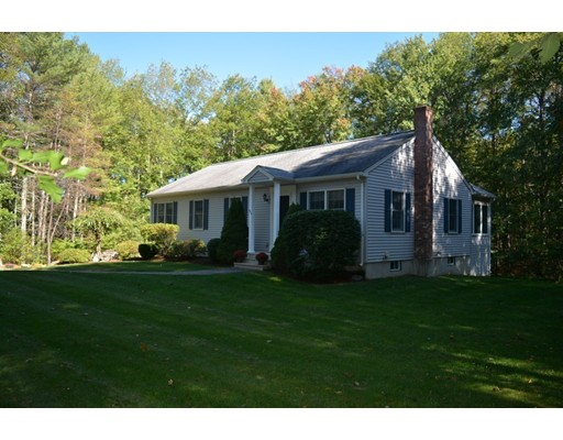 Single Family Home for Sale at 352 Town Farm Road 352 Town Farm Road Barre, Massachusetts 01005 United States