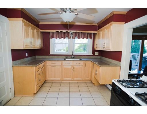 Eensgezinswoning voor Verkoop een t 56 Campbell Road 56 Campbell Road Framingham, Massachusetts 01702 Verenigde Staten