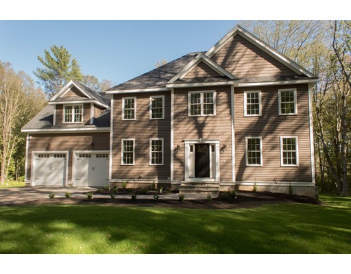 Single Family Home for Sale at 2 Stymast Drive 2 Stymast Drive Mendon, Massachusetts 01756 United States