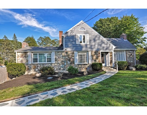 Single Family Home for Sale at 652 Neponset Street 652 Neponset Street Norwood, Massachusetts 02062 United States