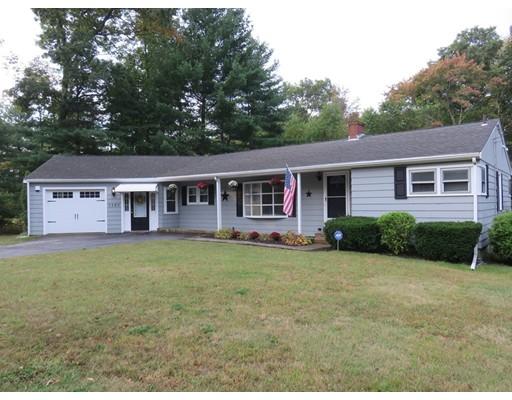 Casa Unifamiliar por un Venta en 1120 Auburn Street 1120 Auburn Street Whitman, Massachusetts 02382 Estados Unidos