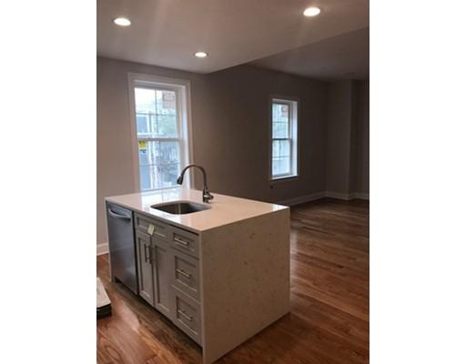 独户住宅 为 出租 在 102 Webster Street 波士顿, 马萨诸塞州 02128 美国