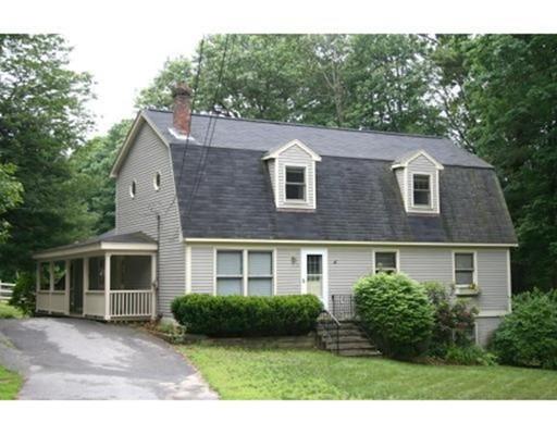 واحد منزل الأسرة للـ Sale في 4 Coulson Road 4 Coulson Road Berlin, Massachusetts 01503 United States