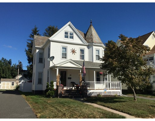 独户住宅 为 销售 在 49 Laurel Street 49 Laurel Street Holyoke, 马萨诸塞州 01040 美国