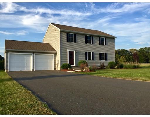 واحد منزل الأسرة للـ Sale في 6 Gunn Road 6 Gunn Road Montague, Massachusetts 01351 United States