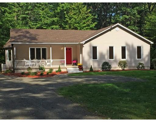 واحد منزل الأسرة للـ Sale في 100 Petticoat Hill Road 100 Petticoat Hill Road Williamsburg, Massachusetts 01096 United States