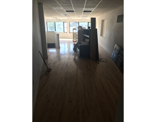 Additional photo for property listing at 1476 Dorchester Avenue 1476 Dorchester Avenue Boston, Massachusetts 02122 Estados Unidos