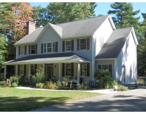 Single Family Home for Sale at 105 Lord Road 105 Lord Road Templeton, Massachusetts 01468 United States