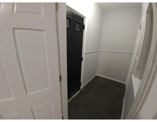 Apartamento por un Alquiler en 140 Myrtle St. #1 140 Myrtle St. #1 Brockton, Massachusetts 02301 Estados Unidos
