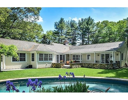 6 Willow St, Dover, MA 02030