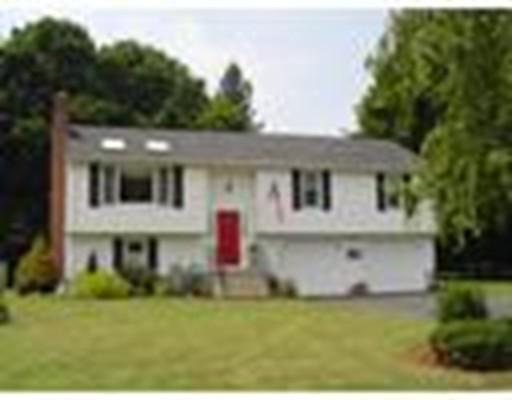 Single Family Home for Rent at 15 Barnes Circle 15 Barnes Circle Marlborough, Massachusetts 01752 United States