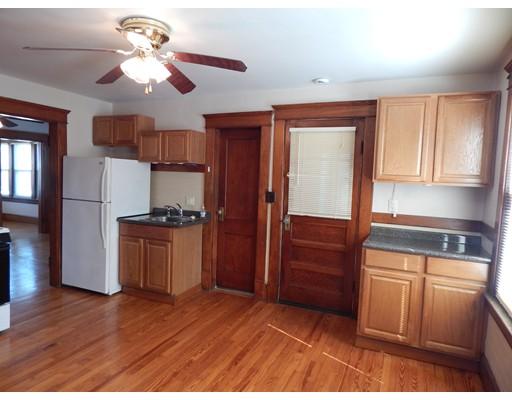 独户住宅 为 出租 在 10 Furrow Street Westfield, 马萨诸塞州 01085 美国