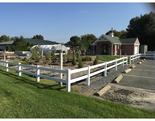 Additional photo for property listing at 991 Newman Avenue 991 Newman Avenue Seekonk, Massachusetts 02771 Estados Unidos