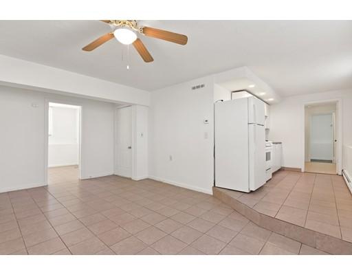独户住宅 为 出租 在 8 Pebble Avenue Revere, 02151 美国