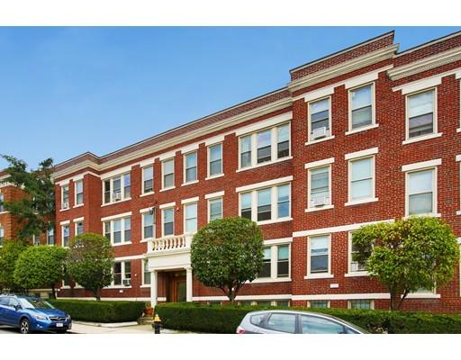 Многосемейный дом для того Продажа на 24 Ransom Road 24 Ransom Road Boston, Массачусетс 02135 Соединенные Штаты
