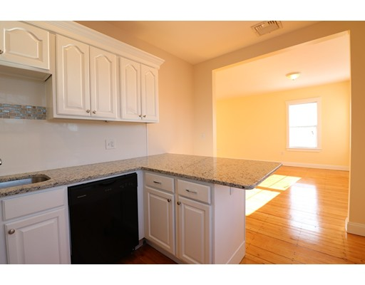 Additional photo for property listing at 38 Roberts #00 38 Roberts #00 Cambridge, Massachusetts 02138 Estados Unidos