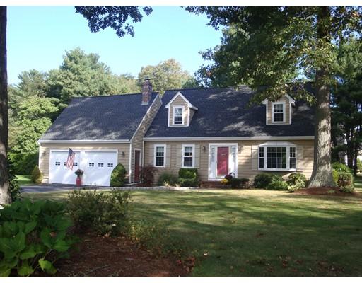 Maison unifamiliale pour l Vente à 10 Satucket 10 Satucket East Bridgewater, Massachusetts 02333 États-Unis