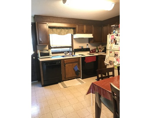 独户住宅 为 出租 在 799 Southwest Street Agawam, 马萨诸塞州 01030 美国