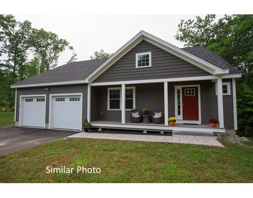 Single Family Home for Sale at 10 Brentwood Road 10 Brentwood Road Danville, New Hampshire 03819 United States