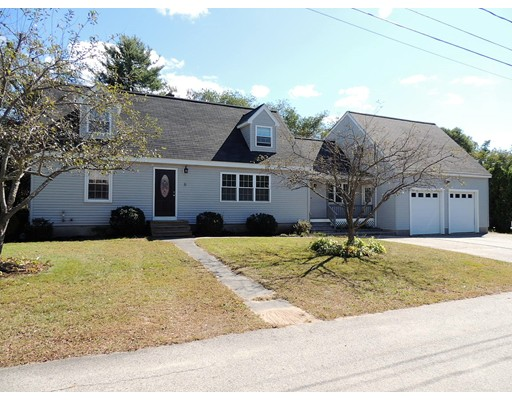 Single Family Home for Sale at 6 Sunview Park 6 Sunview Park Plaistow, New Hampshire 03865 United States