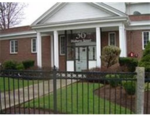 商用 为 出租 在 36 Woburn Street 36 Woburn Street Reading, 马萨诸塞州 01867 美国