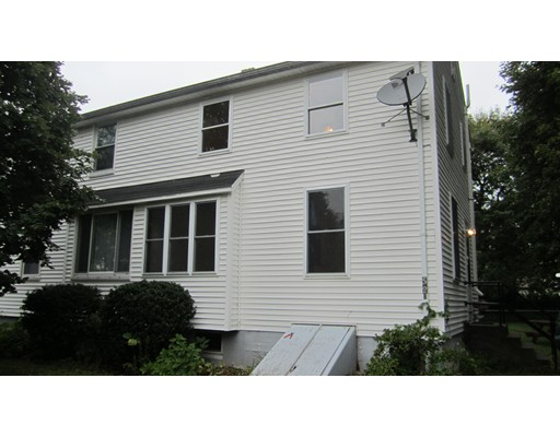 Casa Multifamiliar por un Venta en 52 Boys Avenue 52 Boys Avenue Killingly, Connecticut 06263 Estados Unidos