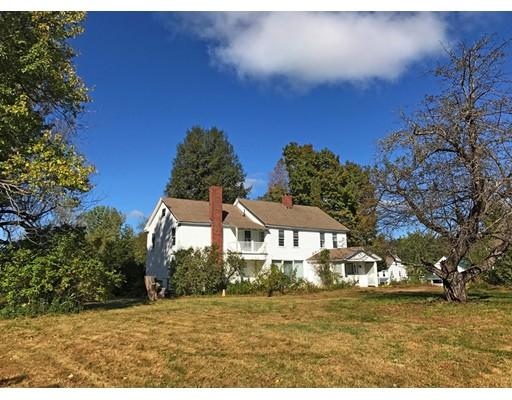 واحد منزل الأسرة للـ Sale في 4 East Main Street 4 East Main Street Heath, Massachusetts 01346 United States