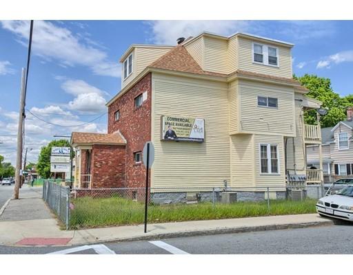 Многосемейный дом для того Продажа на 1332 Gorham Street 1332 Gorham Street Lowell, Массачусетс 01852 Соединенные Штаты