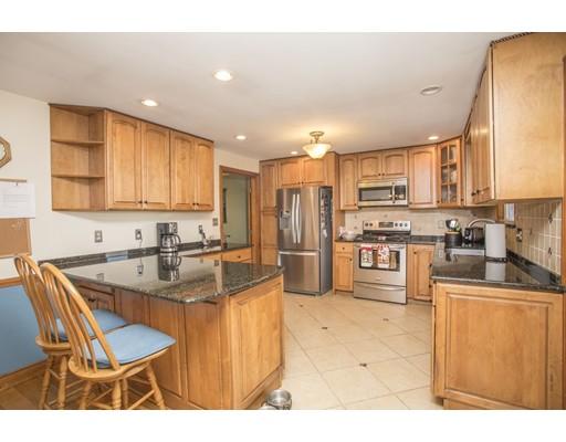 Частный односемейный дом для того Продажа на 26 Grove Circle 26 Grove Circle Braintree, Массачусетс 02184 Соединенные Штаты