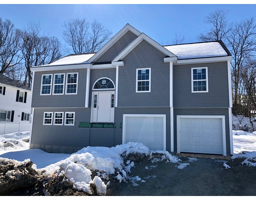 Additional photo for property listing at 15 Carleton Street 15 Carleton Street Worcester, Massachusetts 01603 Estados Unidos