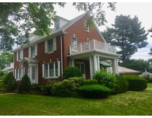 Maison unifamiliale pour l Vente à 109 FOREST STREET 109 FOREST STREET Medford, Massachusetts 02155 États-Unis