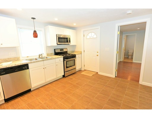 独户住宅 为 出租 在 189 Pleasant 189 Pleasant Clinton, 马萨诸塞州 01510 美国