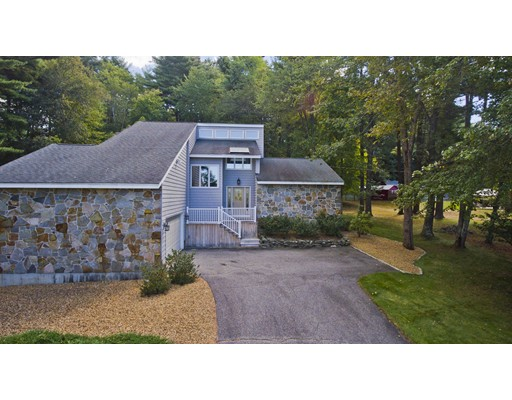 Casa Unifamiliar por un Venta en 3022 Hillside Drive 3022 Hillside Drive Palmer, Massachusetts 01069 Estados Unidos