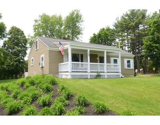 Casa Unifamiliar por un Venta en 305 Main Street 305 Main Street Groton, Massachusetts 01450 Estados Unidos