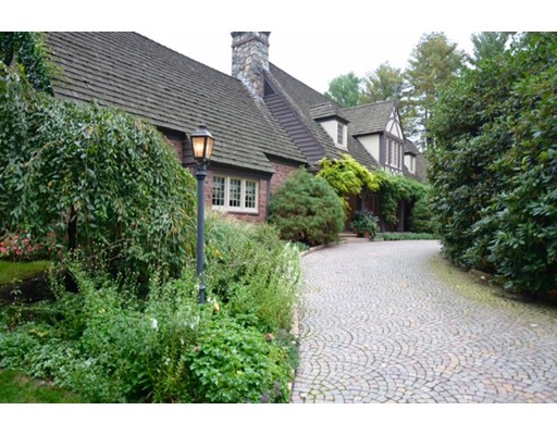 واحد منزل الأسرة للـ Rent في 52 Valley Road 52 Valley Road Wellesley, Massachusetts 02481 United States