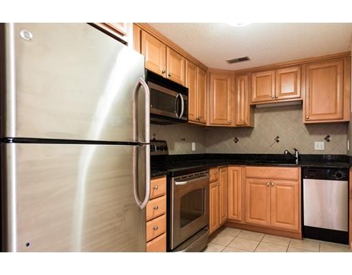 独户住宅 为 出租 在 2456 Massachusetts Avenue 坎布里奇, 02140 美国