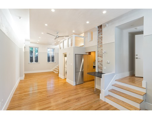 独户住宅 为 出租 在 107 N Street 波士顿, 马萨诸塞州 02127 美国