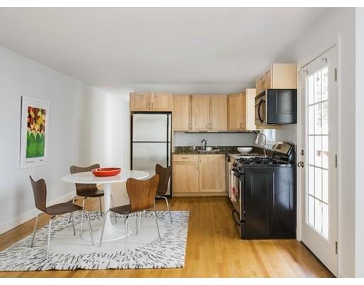 Casa Unifamiliar por un Alquiler en 9 Everett Avenue Somerville, Massachusetts 02145 Estados Unidos
