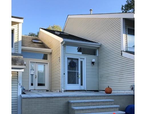 Casa unifamiliar adosada (Townhouse) por un Alquiler en 103 Centre Ln #103 103 Centre Ln #103 Walpole, Massachusetts 02081 Estados Unidos