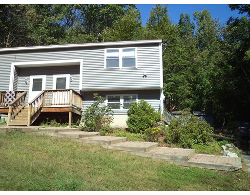 Single Family Home for Rent at 118 Walnut Hill Road 118 Walnut Hill Road Derry, New Hampshire 03038 United States